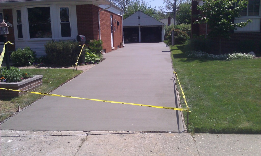Concrete driveway replacement for fraser mi home for Concrete home contractors