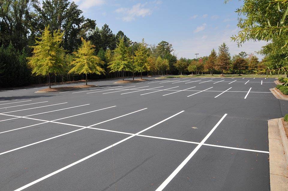 concrete parking lot replacement macomb county mi